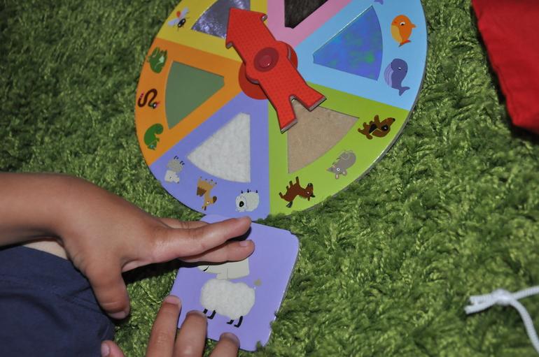activitate dezvoltare simt tactil copii